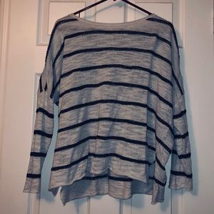 💙💙Lou and Grey Drop Shoulder 3/4 sleeve sweater